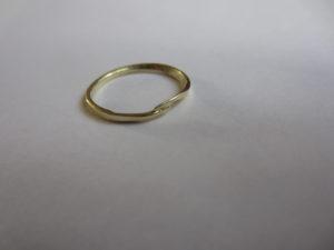 Gouden ring op maat | jarig | Veldjuwelen