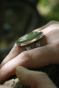RIng met groene steen Prehniet | Dwarrel Autumn 202011